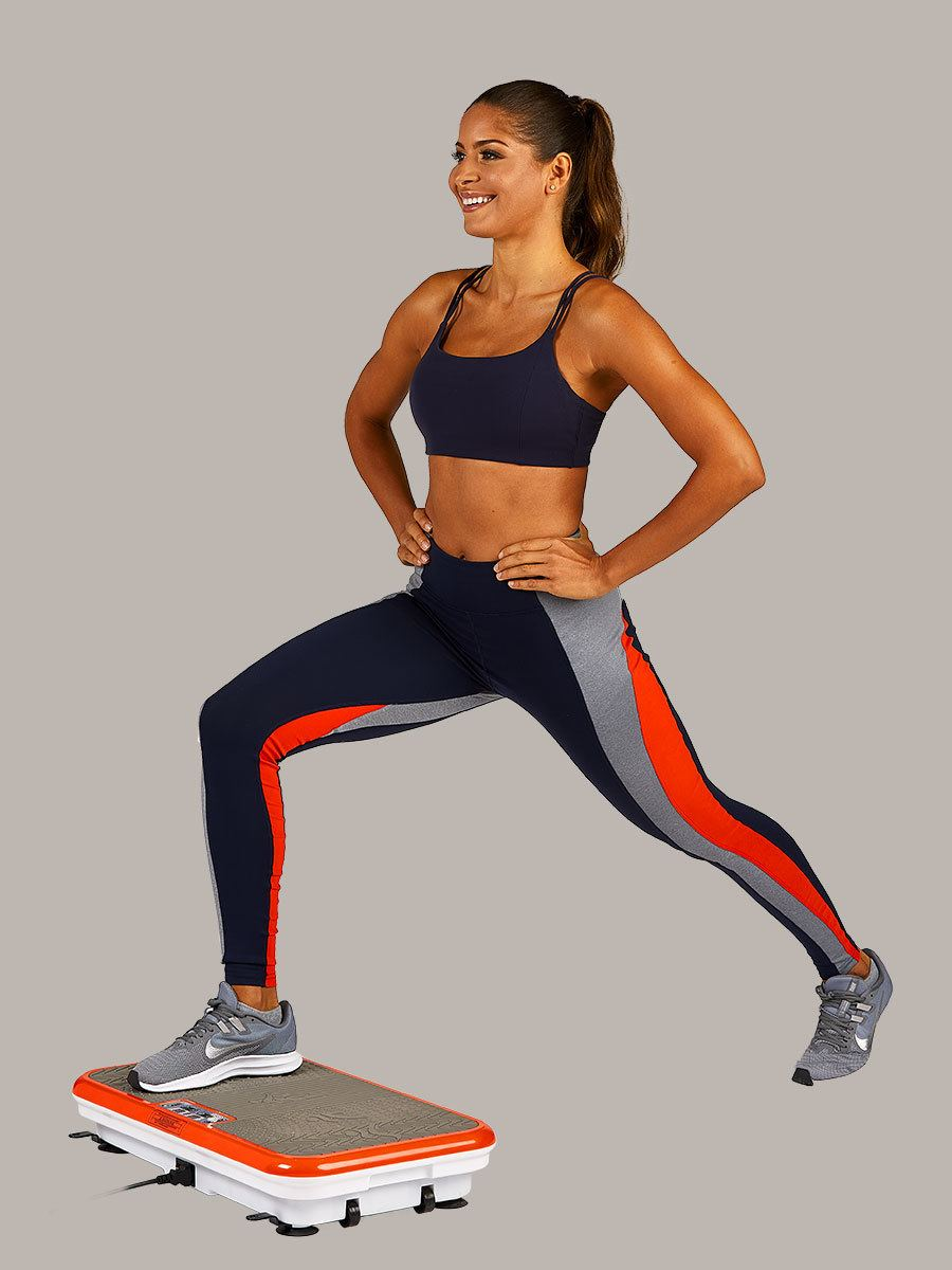woman doing lunges on PowerFit Elite