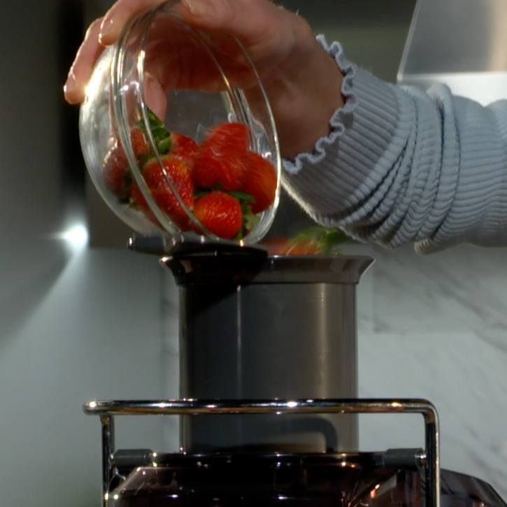 speed 1 for soft foods like strawberries