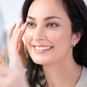 Plexaderm.com Offers Top 5 Ways to Remove Eye Bags